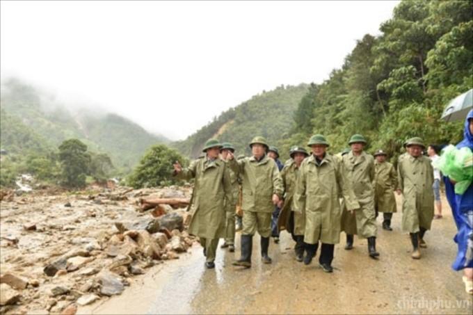 Album: Tháp tùng Đoàn Công tác của Chính phủ đi chỉ đạo ứng phó với mưa, lũ, sạt lở đất.